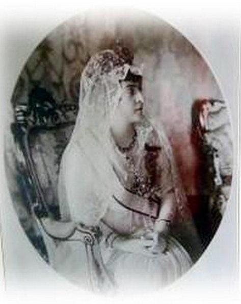 adile sultan